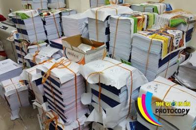 Tiệm photocopy giá rẻ đóng sách với số lượng lớn