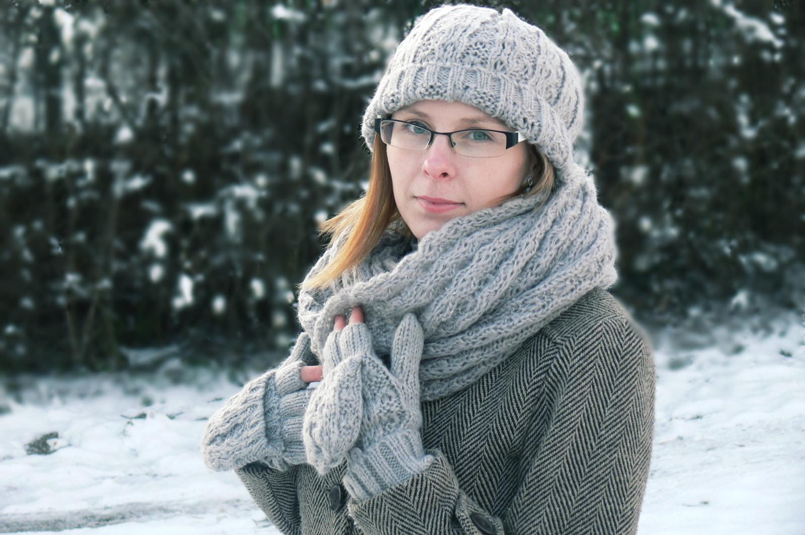 cambria rękawiczki komin czapka avon zimowy zestaw