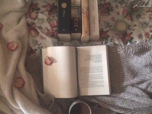 Problemy książkowe #1: Moda na czytanie