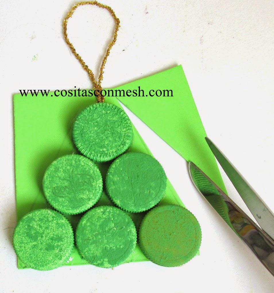 navidad-arbolito-tapas-recicladas