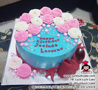 Kue Tart Bunga Mawar Buttercream Cantik