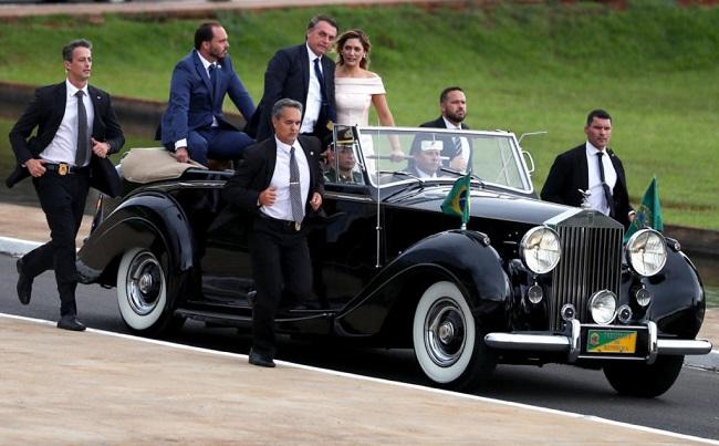 H Βραζιλία σούταρε τους αριστερούς : Ανέλαβε τα καθήκοντά του ο νέος Πρόεδρος, Ζαΐχ Μπολσονάρο
