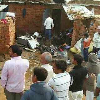 गाेरधनपुरा में ईंट-भट्टेकी चिंगारी से झुग्गी में लगी आग, हजारों का सामान खाक