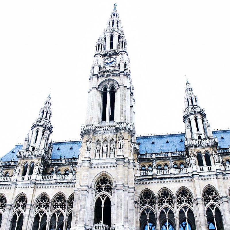 48h in Vienna Rathaus building visit