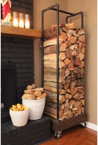 Gunakan pipa baja/besi untuk membuat rak kayu bakar