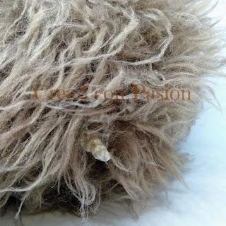 Amigurumi-hedgehog-erizo-ganchillo-o-crochet-parte-trasera-Crea2conPasión