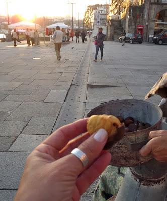 castanhas assadas na Ribeira do Porto
