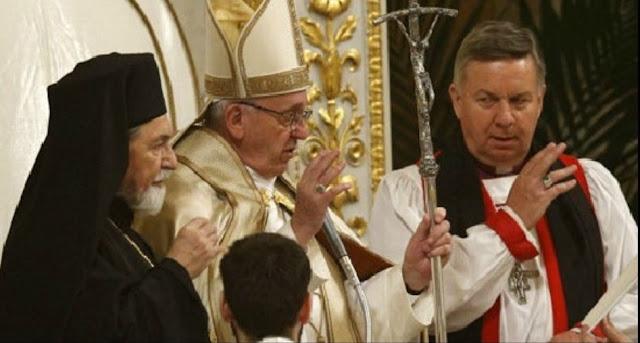Resultado de imagen para bendicion herejes con bergoglio