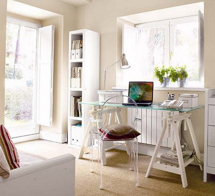 5 Tips for Organizing a Small Home Office 3