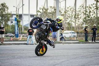 Wawan Tembong Juara Freestyle di Thailand dengan Yamaha YZF-R3