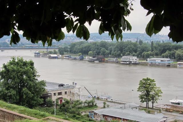 Belgrado, uitzicht vanaf fort op Donau