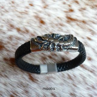 http://www.maolia.fr/bracelets/2827-bracelet-homme-cuir-tress%C3%A9-noir-scorpion.html