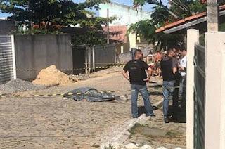 http://vnoticia.com.br/noticia/3498-pastor-procurado-pela-policia-suspeito-de-assassinato-de-jovem-em-atafona