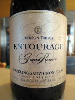 Jackson-Triggs Entourage Grand Reserve Sparkling Sauvignon Blanc 2015 (88 pts)