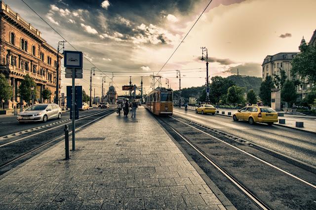 Tram verso il ponte della Libertà-Budapest