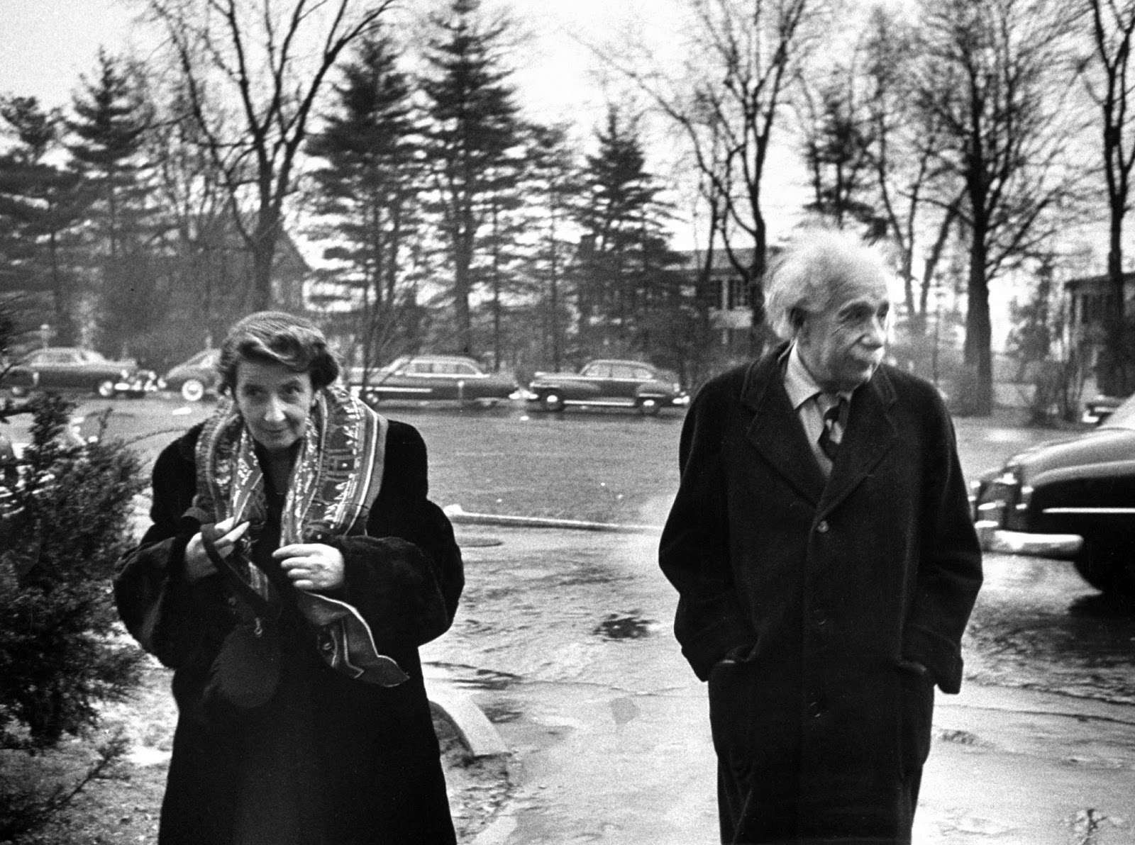 a look at the life of albert einstein He saw a beam of light and imagined riding it he looked up at the sky and  envisioned that space-time was curved albert einstein reinterpreted the inner.
