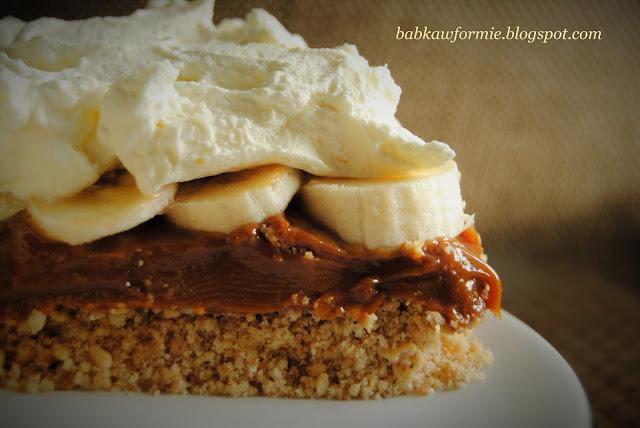 banoffee pie - pyszny deser karmelowy na ciasteczkowym spodzie