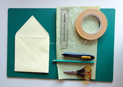 Materiales para personalizar los sobres de las invitaciones de boda
