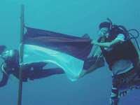 Memperingati Hari Kemerdekaan RI di Bawah Laut; Sebuah Agenda Tahunan UKM Diving Proklamator
