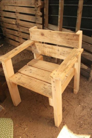35%2BGenius%2BDIY%2BWood%2BPallet%2BFurniture%2BDesigns%2B%25289%2529 35 Genius DIY Easy Wood Pallet Furniture Designs Ideas Interior