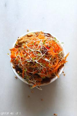 Carottes râpées au gingembre, kasha et graines germées