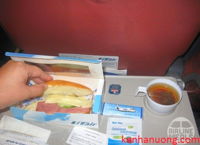 Những suất ăn khó nuốt trên máy bay
