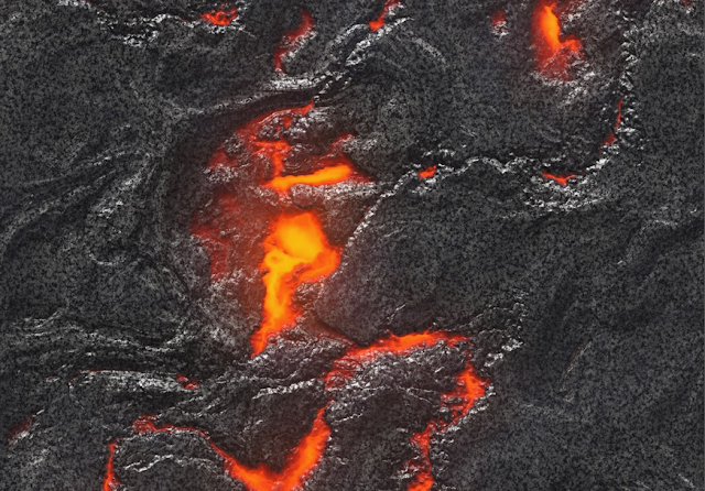 8 Trillion 'Gallons'! Huge Blob of Magma Found Atop Undersea Volcano