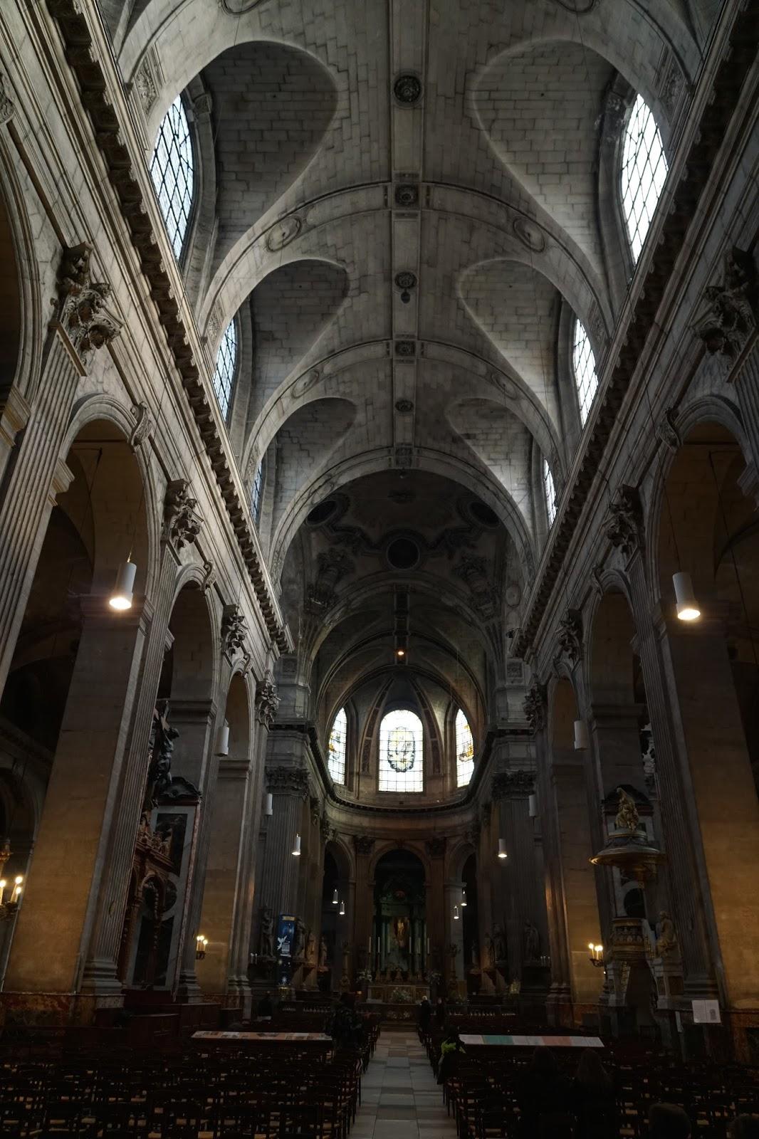 サン=シュルピス教会 (Église Saint-Sulpice) 内廊