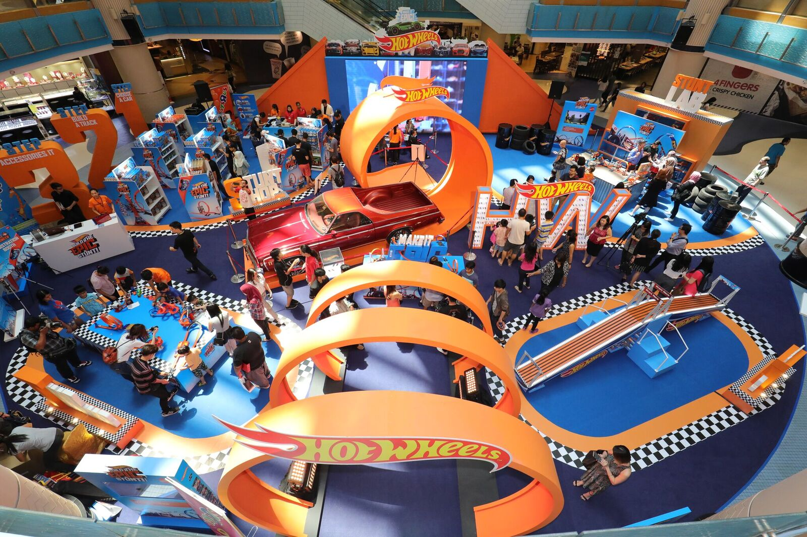 Circuit Hot Wheels Mural. Great Another Kind Of F Experience The ...