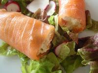 rollitos de salmón rellenos de ensaladilla
