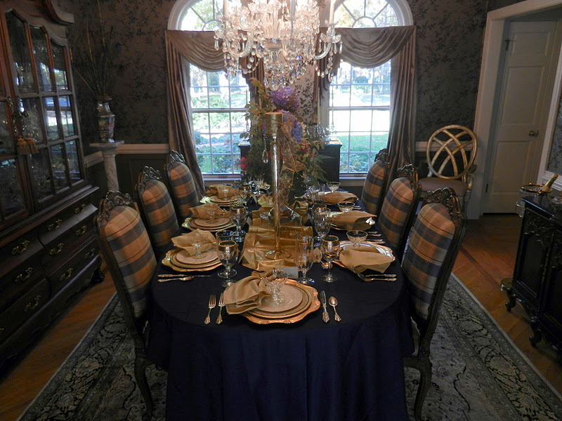 A Perfect Setting Navy Blue And Gold Setting