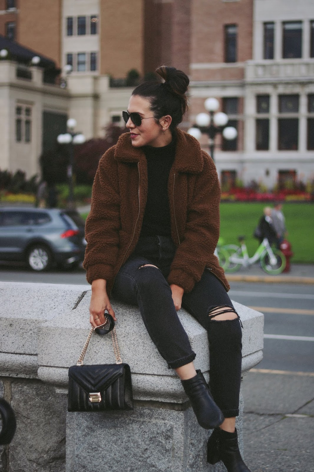 michael kors whitney bag Teddy Bear Coat outfit vancouver fashion blogger garage levis wedgie victoria empress hotel