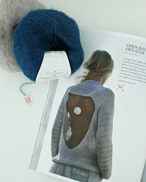 Open back sweater by Annelies Baes, YARN the sea issue by Scheepjes | Happy in Red