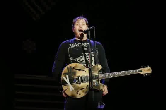 Gitaris Sekaligus Vokalis Blink-182 Tom Delonge