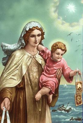 La Virgen con el niño en brazos con el mar de fondo