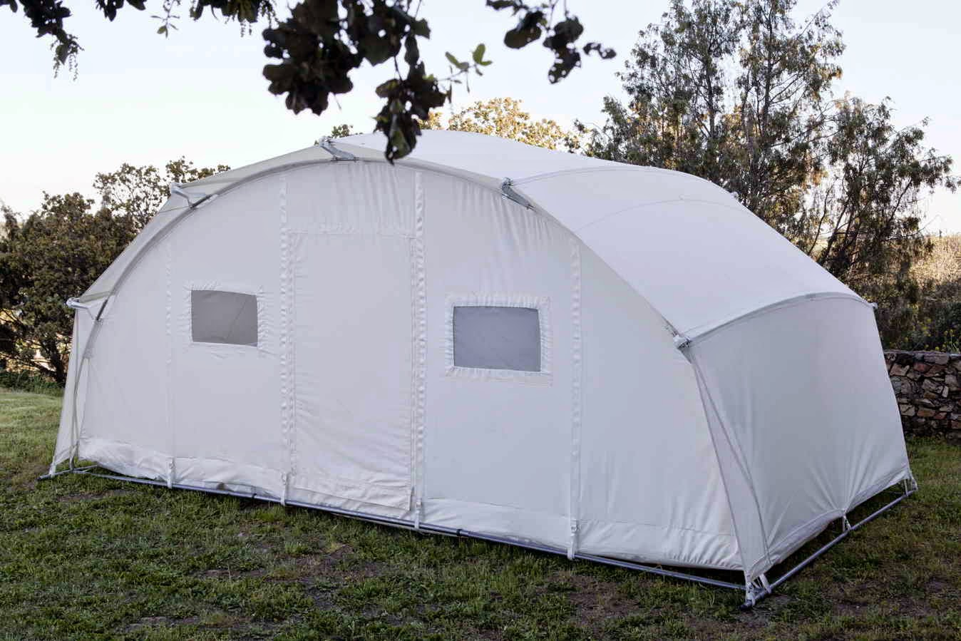 Self-supporting tent Ctents