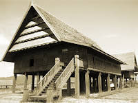 Keunikan-Rumah-Adat-Tradisional-Boyang-Suku-Mandar-Mamuju-Sulawesi-Barat