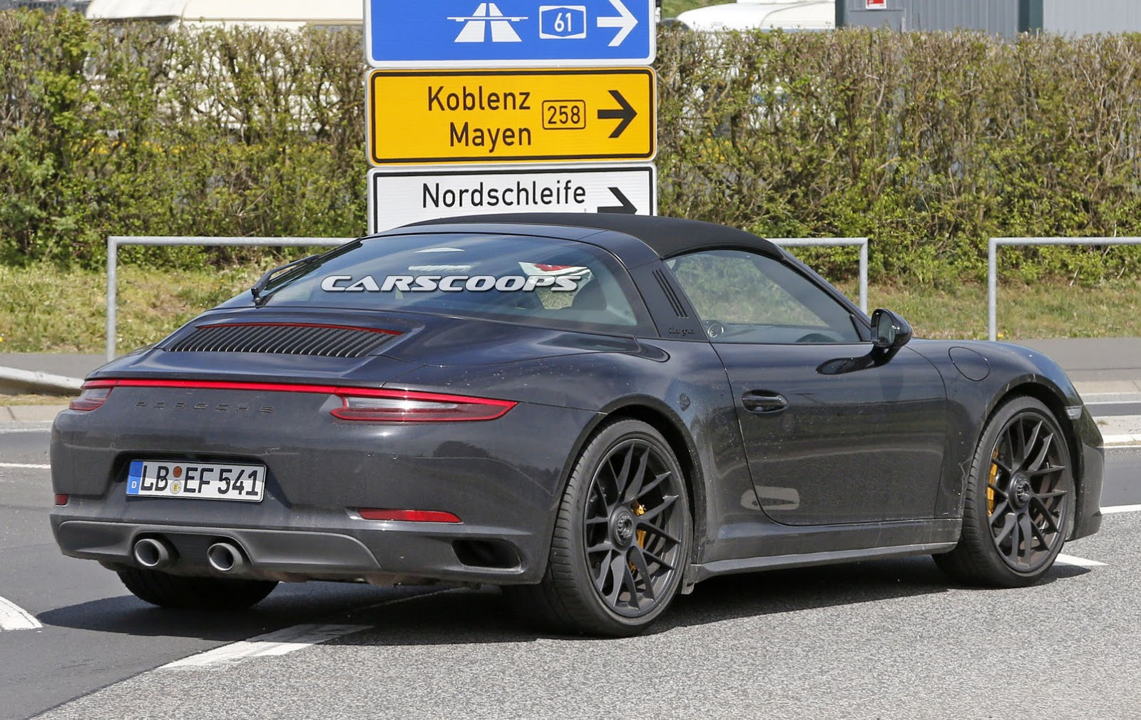 2017 porsche 911 gts targa spied undisguised gets turbo. Black Bedroom Furniture Sets. Home Design Ideas