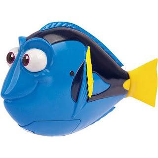 Peixe de brinquedo que nada igual a de verdade