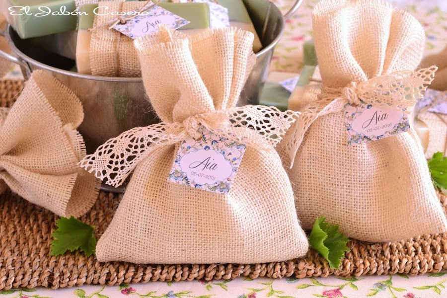 Detalles de bautizo saquitos perfumados decorados con encajes algodon dulce