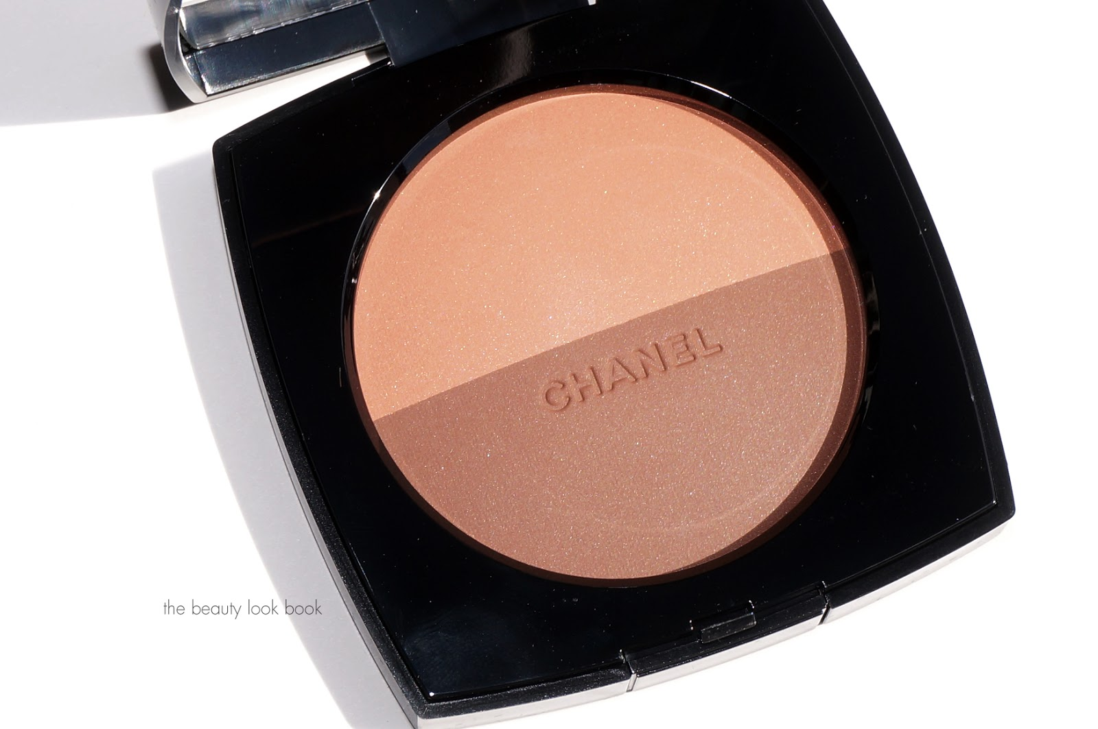Chanel Les Beiges Duos 01 and 02 for Summer 2016   The Beauty Look Book ff1a0f867be