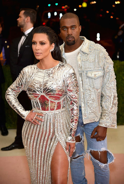 LOL! Some People Are Now Saying Kanye West Took A Sh*t In His Jeans