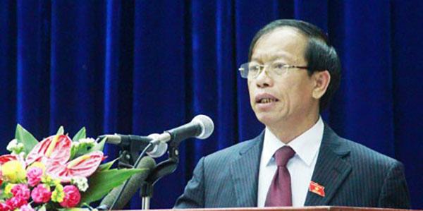 Bí thư Quảng Nam nghỉ hưu hay 'tháo chạy'?