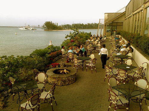 Informações do Restaurante Rusty Pelican em Miami