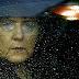 """""""Takarodj!"""" Kiabálták Merkelnek – Botrányba fulladt a kampánylátogatása"""