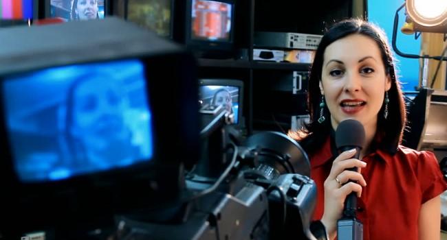 Contoh Surat Lamaran Kerja Sebagai Presenter Televisi Dalam Bahasa Inggris