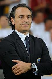 Translations of Cesare Prandelli: Manager of Italy (Gli Azzurri)