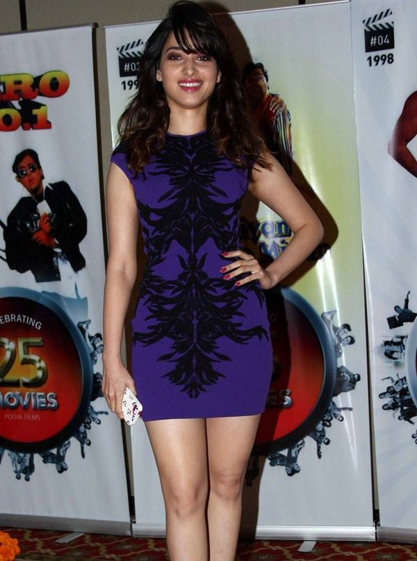 Mumbai Girl Tamanna Long Legs Thighs Show In Mini Blue Dress
