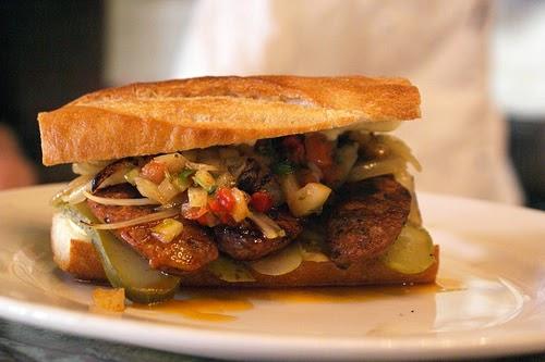 Street food cuisine du monde recette de sandwich choripan saucisse pain sauce argentine - Recette de cuisine argentine ...