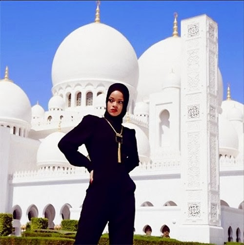 Rihanna Photoshoot at Sheikh Zayed Grand Mosque in Abu Dhabi